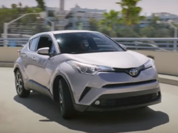 Toyota C-HR Commercial: Car Wash