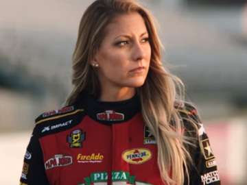 Papa John's Pizza Commercial - Leah Pritchett