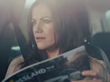 Woman in Opel Crossland X Commercial