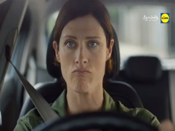 Lidl TV Advert - Woman Hurrying to Lidl