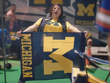 Hotels Commercial - Michigan Wolverines Cheerleader
