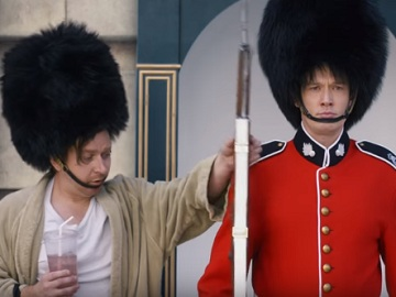 GEICO Commercial - Buckingham Palace
