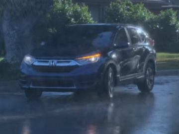Honda CR-V Commercial - Puddles
