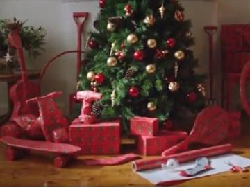 Aldi Australia Christmas Commercial - Jumbo Wrap