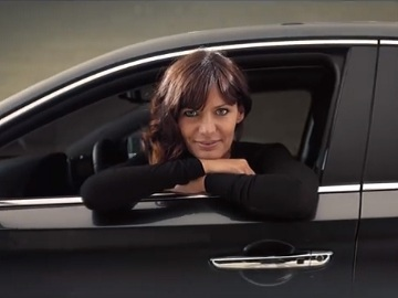 Woman in Hyundai i30 Fastback Commercial