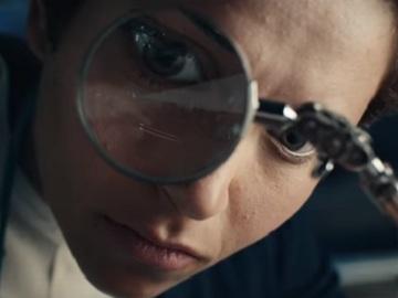 Woman in Spectrum Commercial