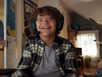 Gaten Matarazzo in Verizon Fios Commercial