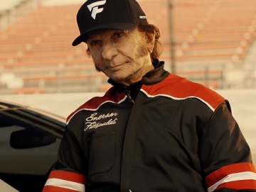Emerson Fittipaldi on Kia Super Bowl 52 Commercial
