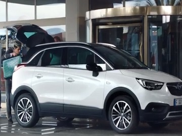 Opel Crossland X Luggage Commercial