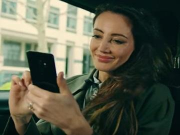 Woman in Samsung Flip TV Advert