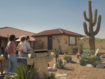 Farmers House Insurance >> Farmers Insurance Commercial House Damaged By Huge Saguaro