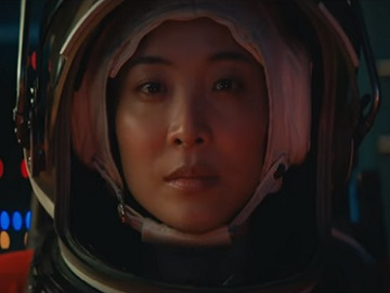 Moët & Chandon Advert - Woman Astronaut