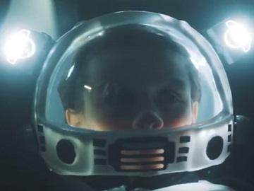 Little Boy Astronaut - Volkswagen Passat Commercial