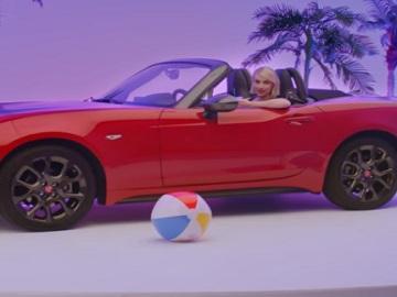 Fiat Emma Roberts Commercial