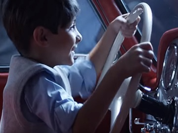 Mercedes-Benz Museum Commercial - Boy in Vintage Car
