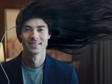 OPPO R17 Pro with Super VOOC Commercial - Long Haired Man