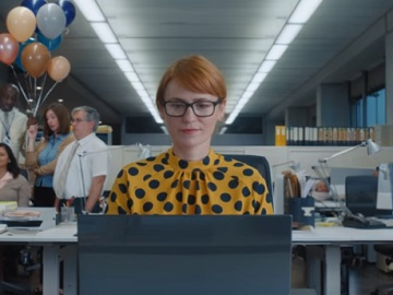 E*TRADE Commercial - Red-Haired Girl at the Office