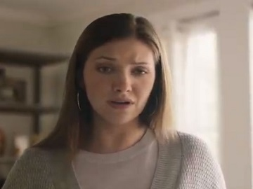 Girl on havertys commercial