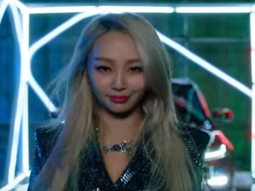 Kia Soul Blonde Girl Commercial - Feat. South Korean Singer Hyolyn