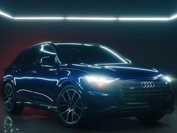 Audi Q8 Commercial