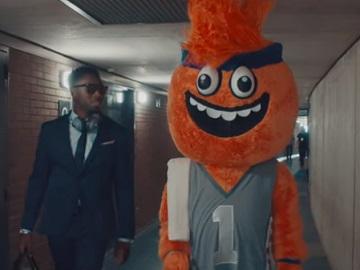 E*TRADE Mascot Commercial