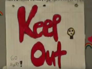 iPhone Commercial - Keep Out Message