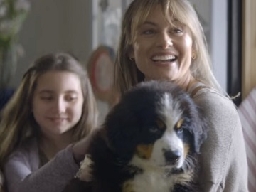 Amazon Commercial - Family with Dog