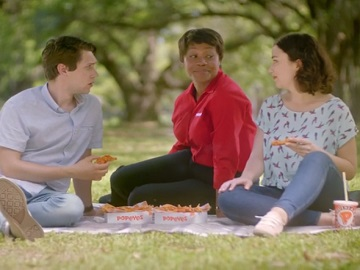 Popeyes $5 Hot Honey Crunch Tender Picnic Commercial