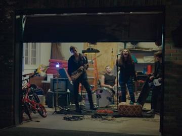 Samsung QLED TV Band Commercial