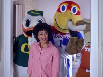 Rocket Mortgage Commercial - Woman with Mascots
