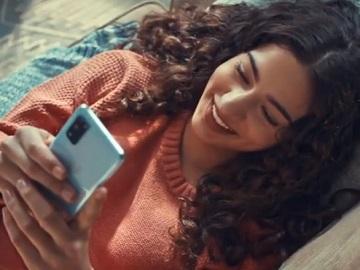 U.S. Cellular Insidephobia Commercial Girl
