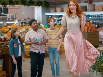 Kinder Bueno Commercial: Red Headed Girl Levitating - Actress Sierra Love