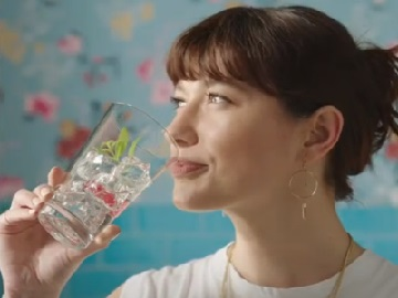 SodaStream Commercial Girl - Ella's Sparkle Your Day