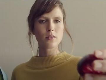 Mini Babybel TV Advert Girl