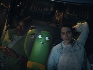 Cricket Wireless Nationwide 5G Commercial - Rose & Friends Watching Stars