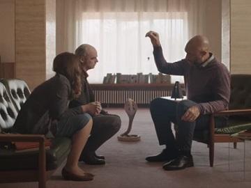 Setapp Hypnotized Man Acting Like Snake Commercial