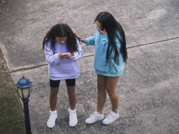 Telstra Commercial: Teenage Girls Filming TikTok Dance Video