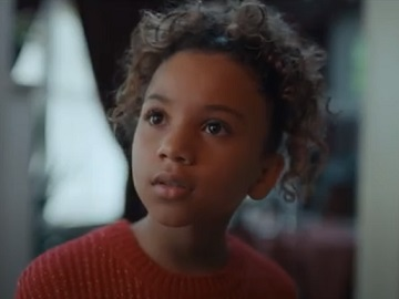 Macy's Christmas Commercial - Girl in Dad's Shoes