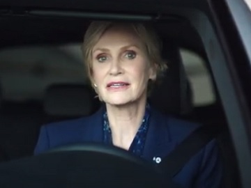 Mercedes-Benz Actress Jane Lynch Commercial