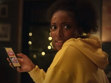 Domino's Pizza Woman with Yellow Hoodie Advert / Commercial