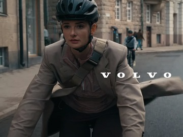 Volvo XC40 Cyclist Girl Commercial