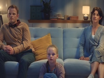 Duracell Family Watching Elephants TV Advert