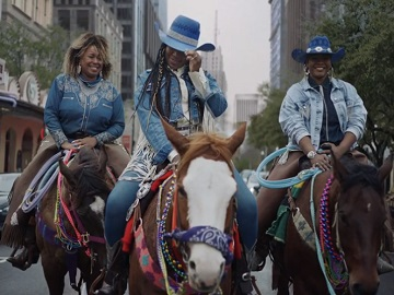 I Am Beautiful Facebook Group Commercial - Ladies on Horses