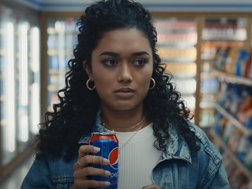 Pepsi Wild Cherry Commercial: Curly Haired Girl Singing in Grocery Store