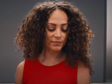 Squarespace Super Bowl 2021 Commercial - Feat. Curly Girl Dancing