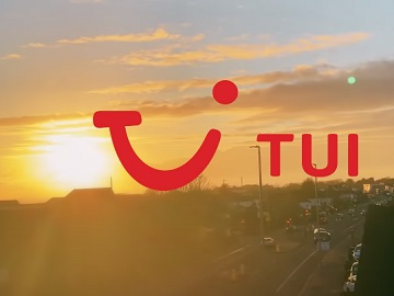 TUI Dreaming of a Holiday TV Advert