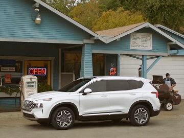 Hyundai SANTA FE Hybrid Commercial - That Place with Milkshakes