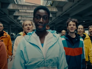 Freeletics Commercial - People Singing Oops I Did It Again