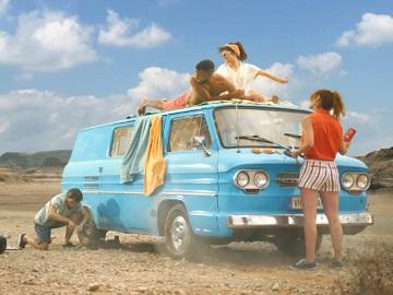 Pringles Do Summer Your Way Advert - Feat. Friends on Vintage Van Broken Down in the Desert